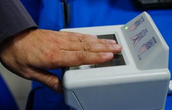 В Киргизии голосовать на выборах смогут только граждане, сдавшие биометрию
