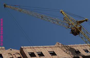 В Бишкеке более ста зданий строят без разрешения