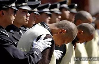 В Китае поймали 164  беглых коррупционера