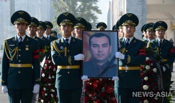 Похороны погибшего в ДТП вице-премьера по силовому блоку Темира Джумакадырова прошли в Киргизии