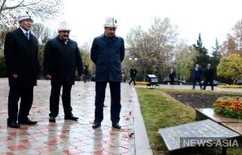 В Бишкеке открылся сквер Дружбы народов Киргизии и России