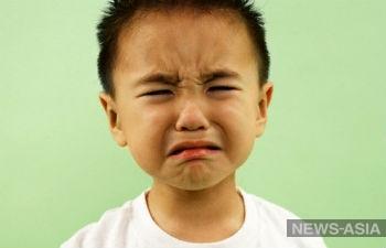 В Китае воспитательница колола детей иголками за непослушание