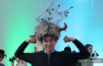 В Бишкеке  проходит выставка «Третье полушарие» художника из Алма-Аты Всеволода Демидова