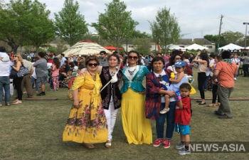 В США тысячи киргизов и казахов станцевали танец «кара жорго» в Нооруз