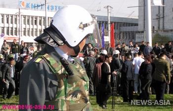 Митингующие сторонники и противники нынешнего руководства «Кыргызнефтегаза» перекрыли стратегическую трассу