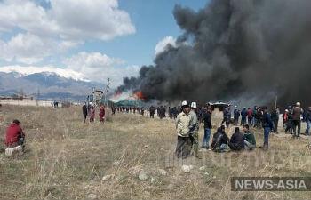 Крупные беспорядки на юге Киргизии обернулись  погромом китайской золотоизвлекательной фабрики