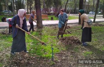 В Бишкеке прошла акция-флэшмоб по посадке деревьев