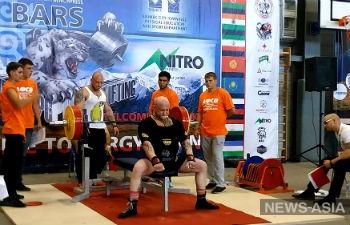 В Бишкеке завершился открытый чемпионат Азии по пауэрлифтингу