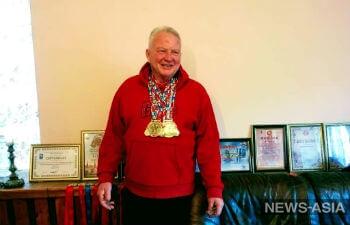 Жмет не по-дедски: 64-летний спортсмен из Киргизии доказал, что жизнь после выхода на пенсию только начинается
