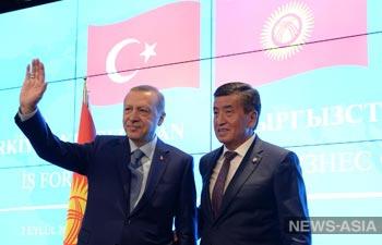 Президент Киргизии высказался в поддержку мечетей