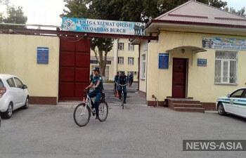 Дорожный патруль Узбекистана заставили крутить педали