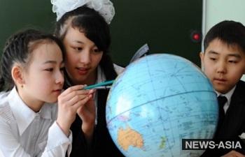 Школа, которая калечит: как обучение в перегруженных школах Бишкека отражается на здоровье учеников?