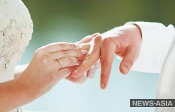 Молодоженов Узбекистана научат «основам брака»