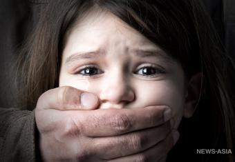 Екатеринбурженка с маленькой дочерью десять лет находится в заложниках у психически нездорового экс-мужа