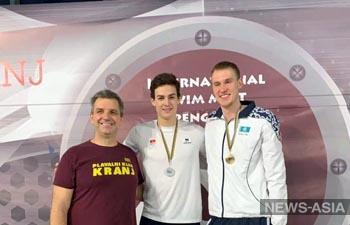 Пловцы Кыргызстана привезли 11 медалей с турнира в Словении