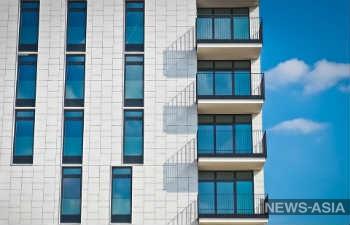 Многодетным семьям Казахстана начнут выдавать жилье в мае
