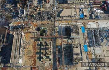 В Китае на месте взрыва завода произошла крупная утечка серной и азотной кислот из резервуаров