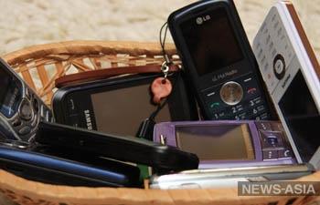 Узбекским чиновникам и госслужащим запретили пользоваться мобильной связью