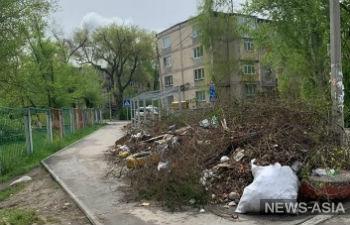 Бишкекский 6 микрорайон продолжает утопать в мусоре (обновлено)