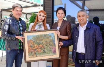В столице Кыргызстана провели аукцион раритетных картин