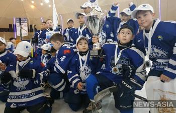 Юные хоккеисты Кыргызстана выступят на международном турнире в Чехии