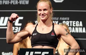 Чемпионка UFC Валентина Шевченко проведет бой в августе против Лиз Кармуш