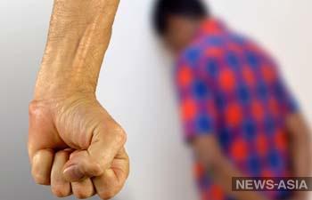 Под Бишкеком пьяный отец избил своих маленьких детей