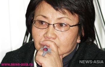Роза Отунбаева: «Верю, что Атамбаеву не удастся расколоть народ»