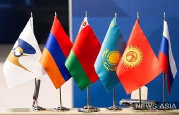 В Казахстане авто с номерами государств-членов ЕАЭС придется ставить на учет