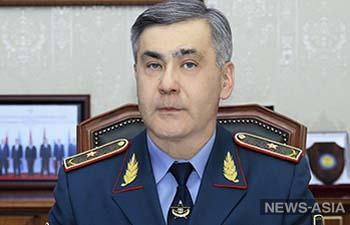 Глава Минобороны Казахстана отделался выговором после взрывов в Арыси