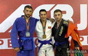 Кыргызстанцы привезли 10 медалей с чемпионата мира по джиу-джитсу