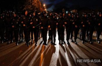 В Бишкеке милиция разогнала провокаторов с площади Ала-Тоо