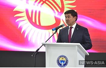 В Кыргызстане с октября повысится размер заработной платы учителей на 30%