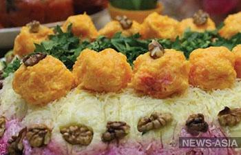 Как приготовить бисквит «Лимонная нежность» и салат «Красочный»