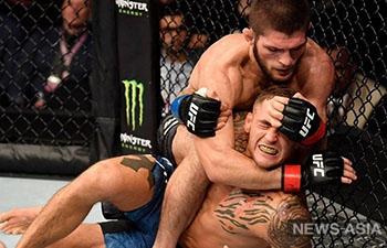 Российский боец Хабиб Нурмагомедов отстоял титул чемпиона UFC