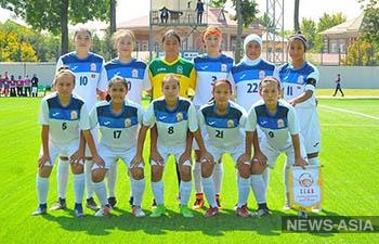 Юные футболистки Кыргызстана завоевали серебро чемпионата CAFA-2019