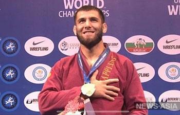 Спортсмен из Кыргызстана стал чемпионом мира по грэпплингу
