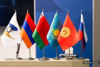 России интереснее двусторонние отношения с Узбекистаном, чем в ЕАЭС - эксперт