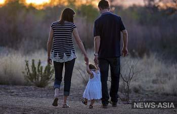 Усыновлять детей в Узбекистане позволят только после прохождения курсов