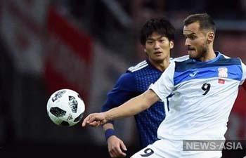 Тренер сборной Японии по футболу Хадзимэ Мориясу присматривается к кыргызским нападающим