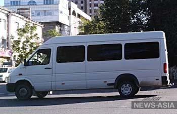 Кыргызский водитель маршрутки, справлявший нужду во время езды, уволен