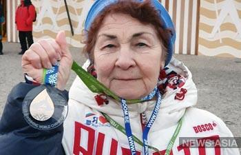 83-летняя жительница Перми победила на чемпионате мира по плаванию