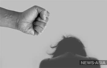 «8/365»: «Для многих женщин требование оставаться дома с насильником страшнее вируса»