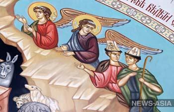 В главном православном соборе Кыргызстана на библейских персонажей надели ак-калпаки