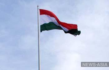 Таджикистан просит Россию возобновить с ним международное сообщение