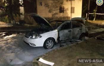 В Ташкенте обманутая невеста сожгла машину несостоявшегося жениха