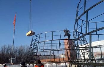 Бишкек начали наряжать к новогодним праздникам