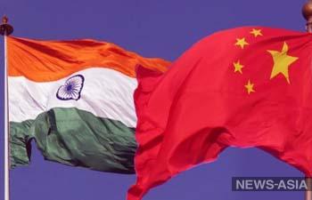 Китай продолжает держать войска у границ с Индией, нарушая соглашения