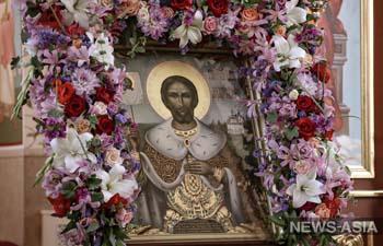 В Кыргызстан прибыла икона со святыми мощами князя Александра Невского