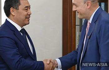 Президент Кыргызстана принял президента медиакорпорации Радио Свобода